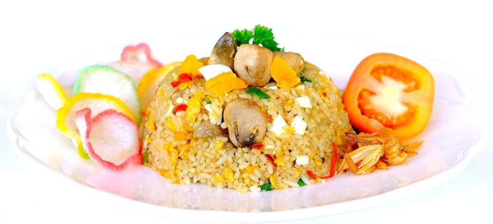 nasi-goreng-jamur-telor-asin